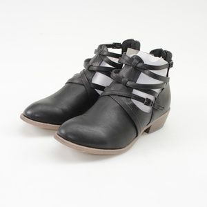 Journee Collection Savvy Black Ankle Boots // 10